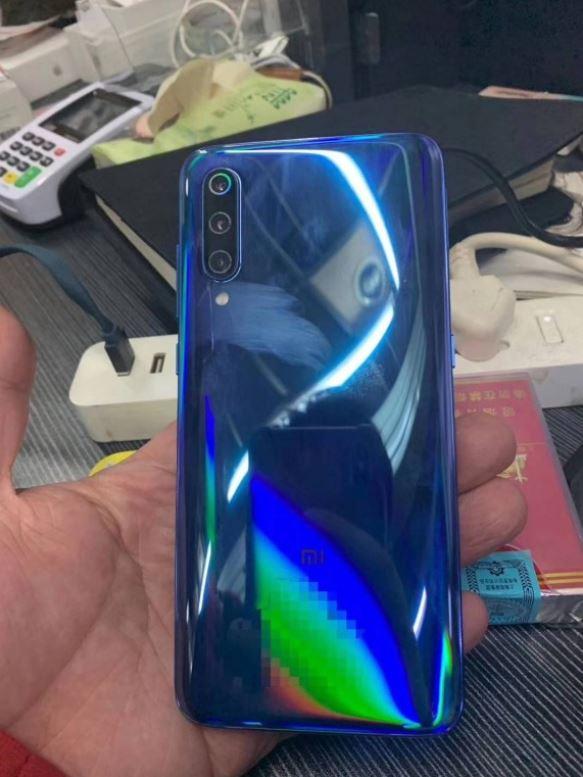 Xiaomi Mi9の背面画像